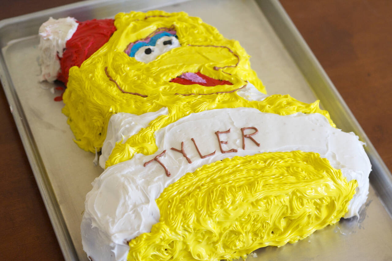 Amazing Big Bird Birthday Cake Recipe Makebetterfood Com Personalised Birthday Cards Veneteletsinfo