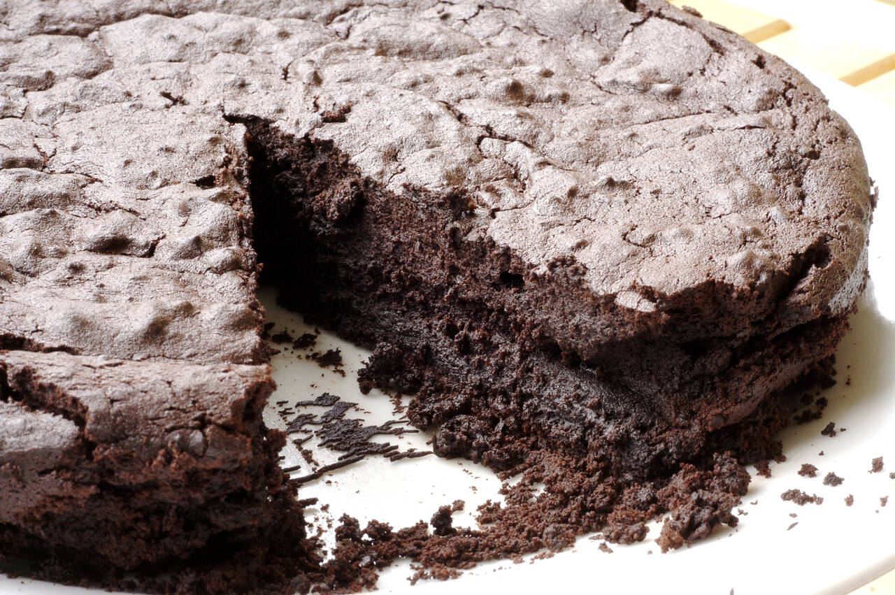 Extreme Chocolate Truffle Cake Recipe - MakeBetterFood.com