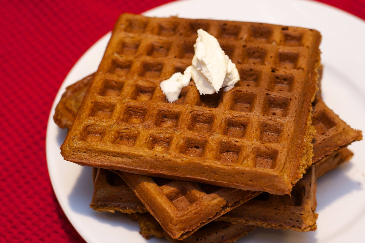 Gingerbread Waffles Recipe - MakeBetterFood.com
