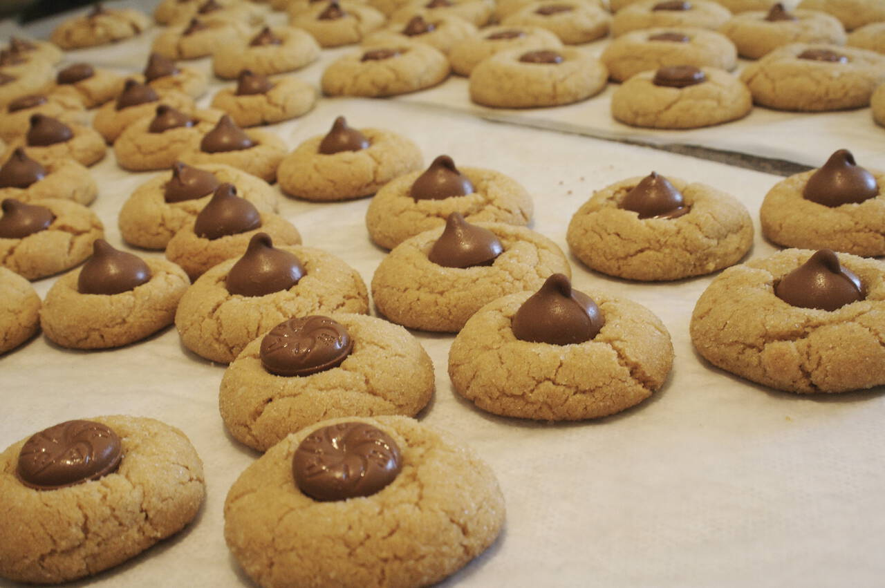 Hershey Kiss Peanut Butter Blossom Cookies