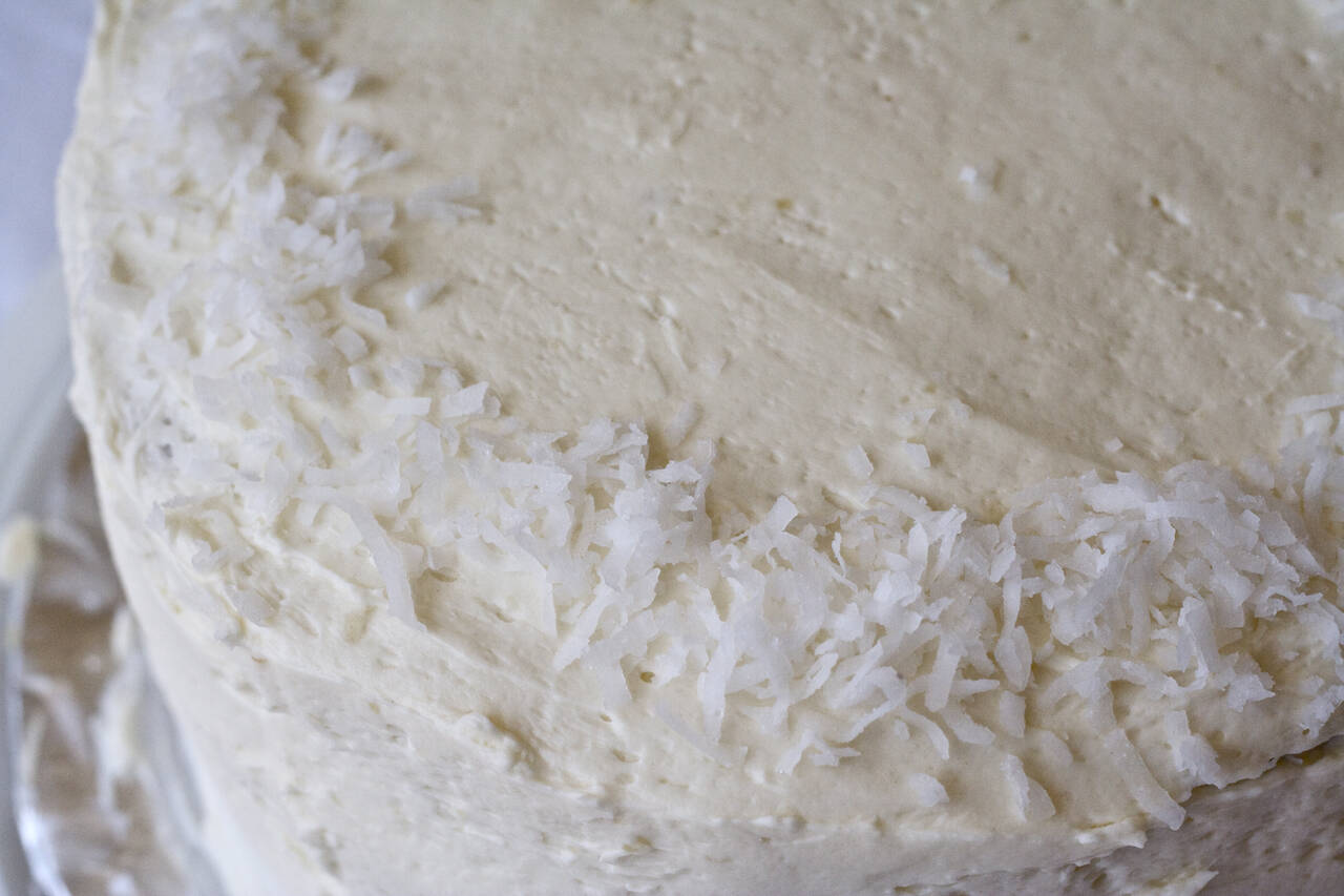 Cake Recipe Light And Fluffy: Light And Fluffy Buttercream Frosting Recipe