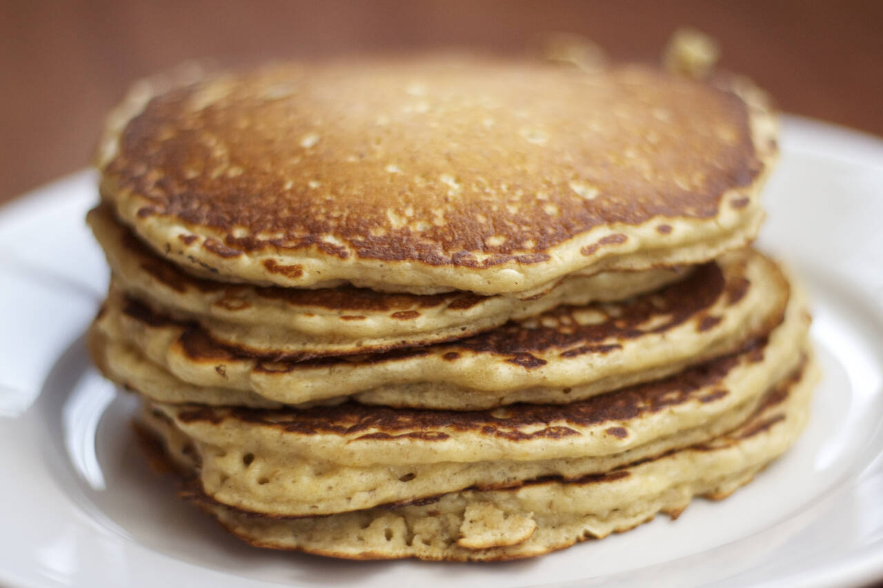 Low-Carb Oatmeal Pancakes