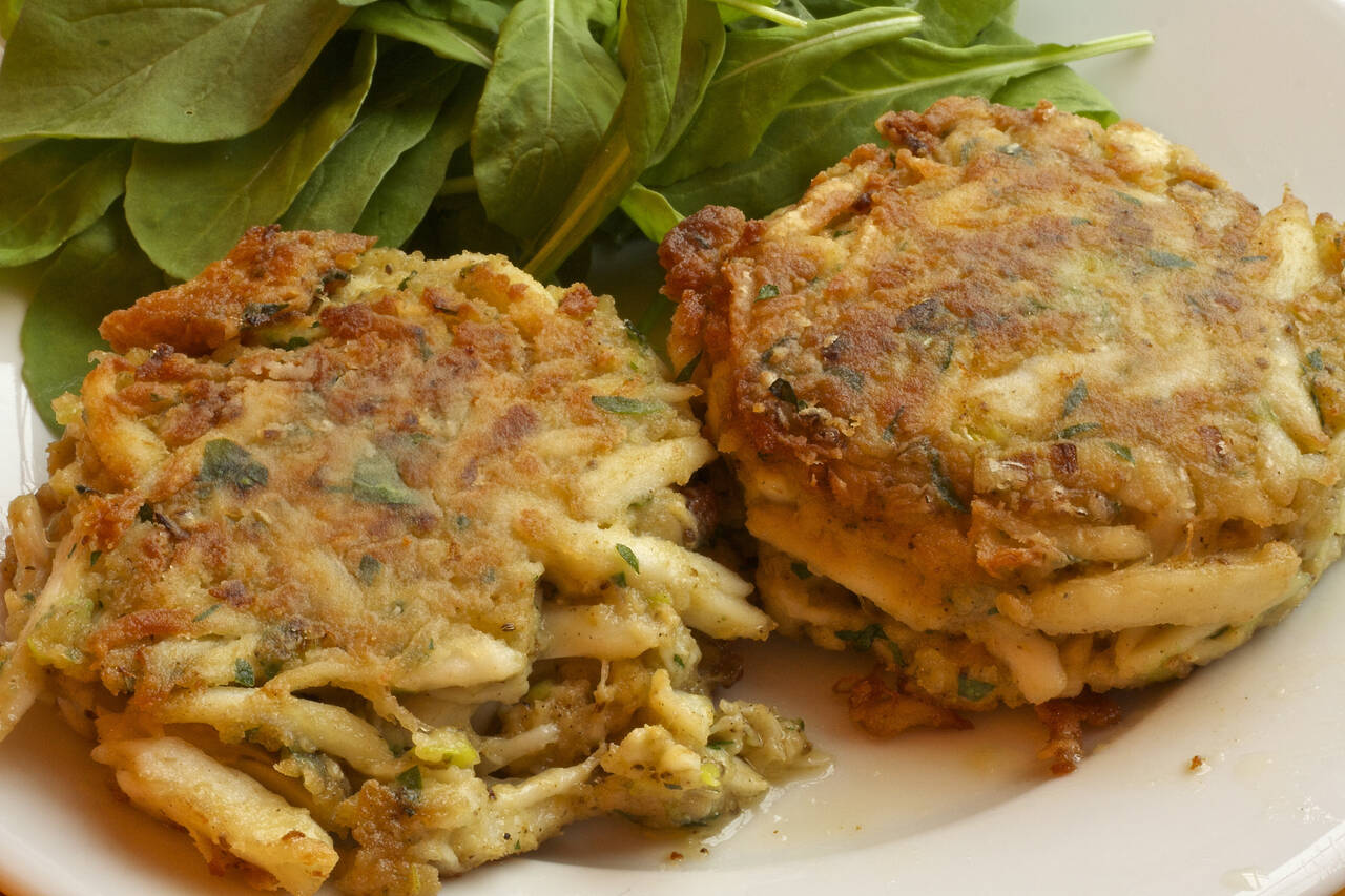 Maryland Crab Cakes Recipe - MakeBetterFood.com