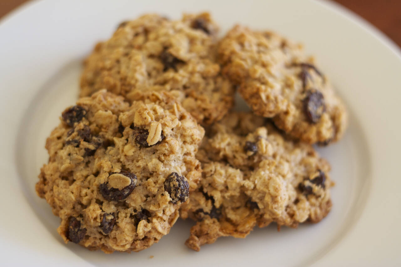 Sea Salt Oatmeal Raisin Cookies Recipe - MakeBetterFood.com