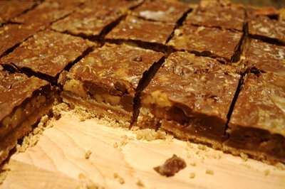 Turtle Bars Recipe - MakeBetterFood.com